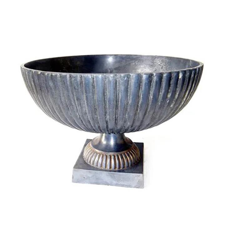 Cotuna Metal Urn
